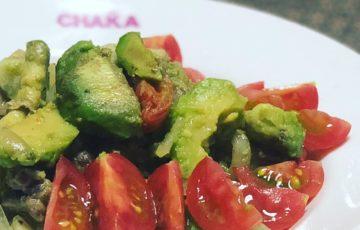 アボカドとプチトマトの肉炒め
